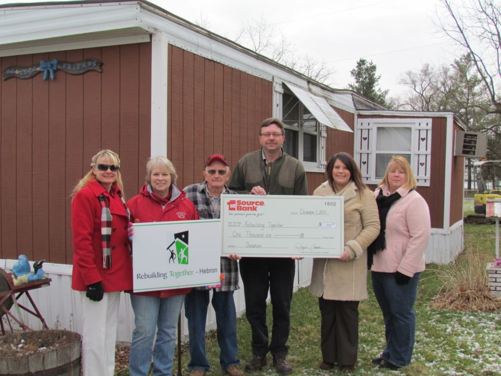 Deb McKay, Dorothy Michalak, Denny Kuhn, Brent Harting, Crystal Ruffner and Andrea Mortimer with check-658.JPG